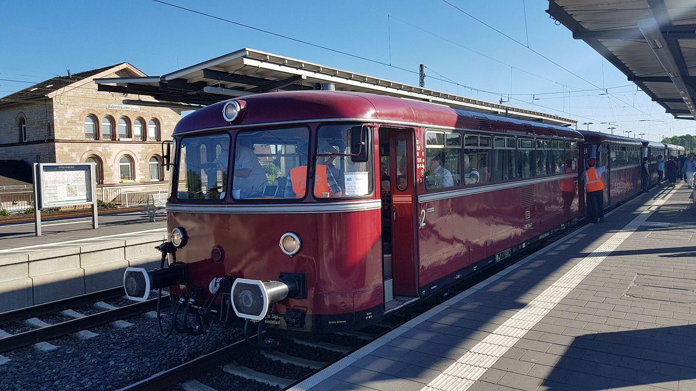 Netzwerk Bahnhof Langstadt - Sonderfahrt Roter Brummer - Bahnhof Babenhausen
